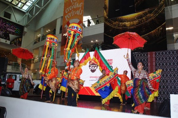 Treasures of SOX The Hinugyaw Cultural Dance Troupe graced the expo with colorful indigenous dances from Mindanao.