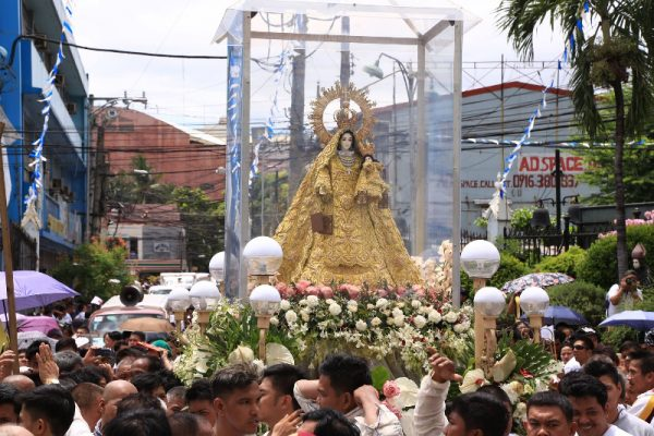 The image was greeted with fireworks as it arrived at San Sebastian Basilica. Faith Tourism Philippines
